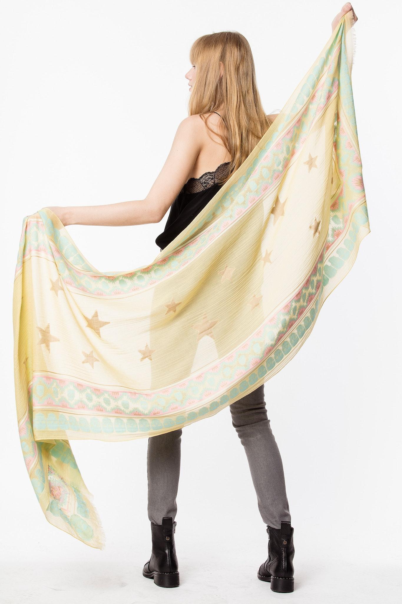 Bindi scarf