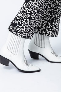 Tylor Grained Ankle Boots